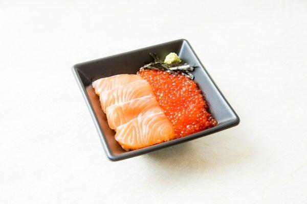海とぼんた 上野マルイ店 サーモンいくら丼