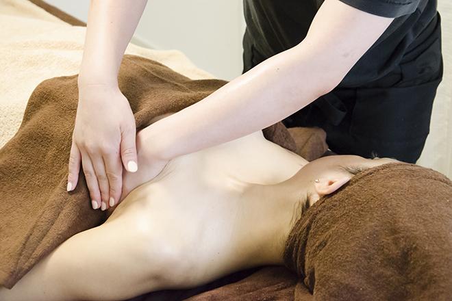育乳専門サロン STC 新宿 バストアップエステの写真