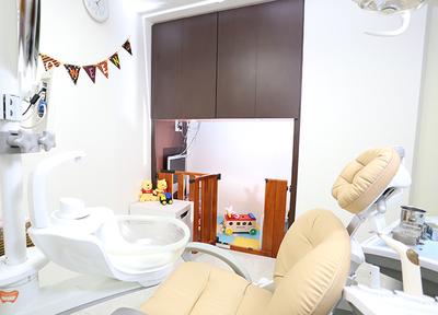 沼澤デンタルクリニック 小金井市 完全個室+キッズスペースの診察室