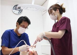 内野歯科医院 東大和市 歯科治療中の写真