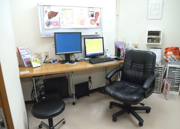 うちやまクリニックの完全個室の診察室