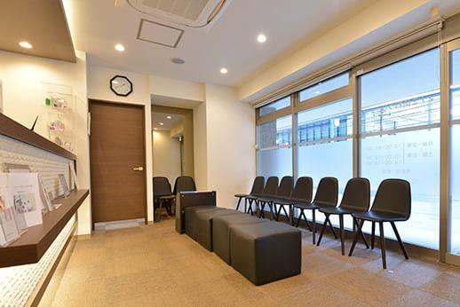 マナミ歯科クリニック 中野 待合室