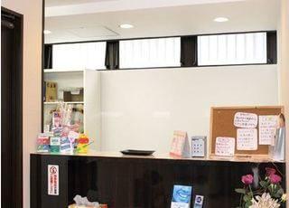 ファミリー歯科医院 武蔵野市 待合室の写真