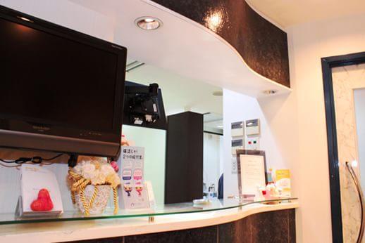 カラサワ歯科クリニック 新宿駅 受付の写真