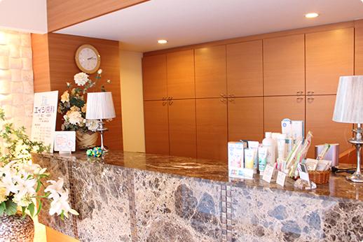 エイジ歯科 中野駅 受付の写真