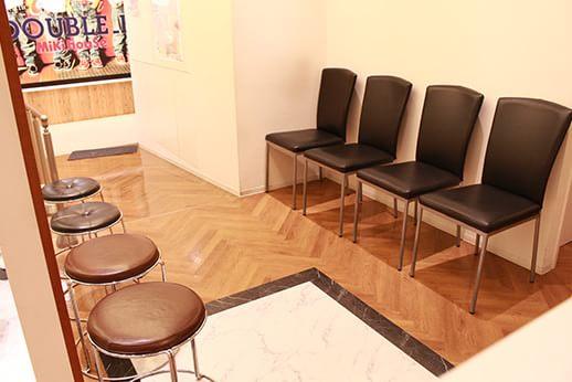 マツザカヤデンタルクリニック 御徒町 待合室の写真