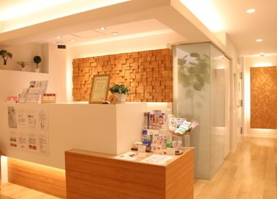 まゆみ歯科 田原町駅 待合室の写真