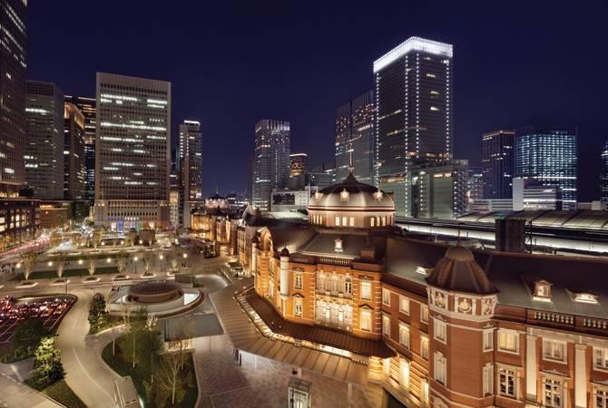 【24時間営業あり】東京駅で深夜や朝まで利用できるファミレス5選