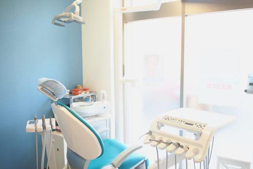 パーク駅前歯科矯正歯科クリニック 錦糸町駅 完全個室の診察室の写真