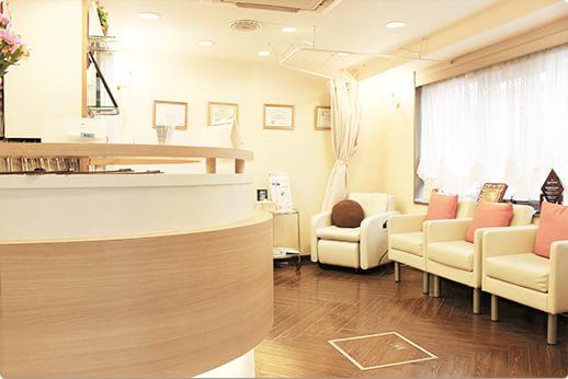 ホワイトラビット歯科医院 大井町駅 待合室の写真