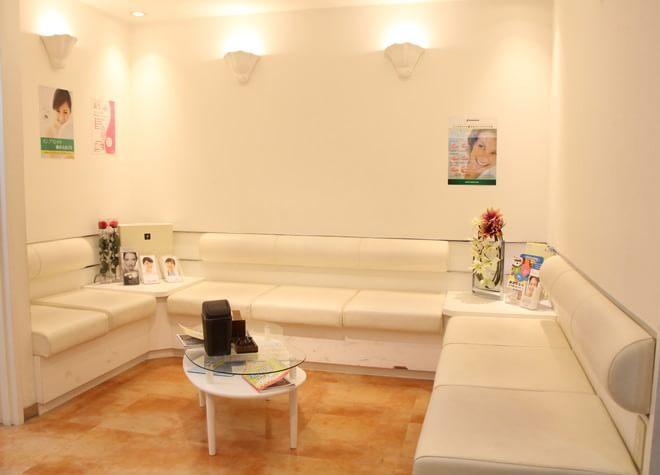 クレア歯科医院 葛西駅 待合室の写真