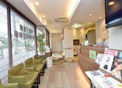 デンタルオフィス世田谷公園 三軒茶屋駅 待合室の写真