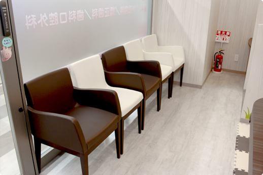 立川さくら歯科クリニック 待合室の写真