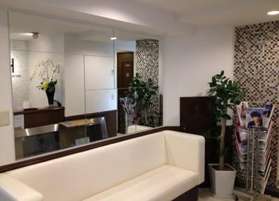 西新宿歯科TOYOクリニック 待合室の写真