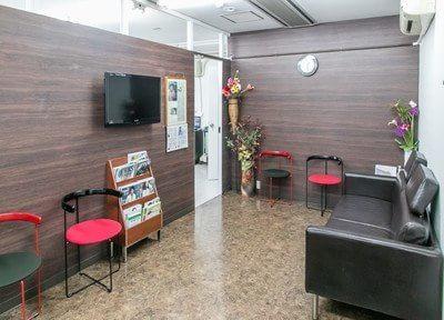 きむ歯科医院 新大久保 待合室