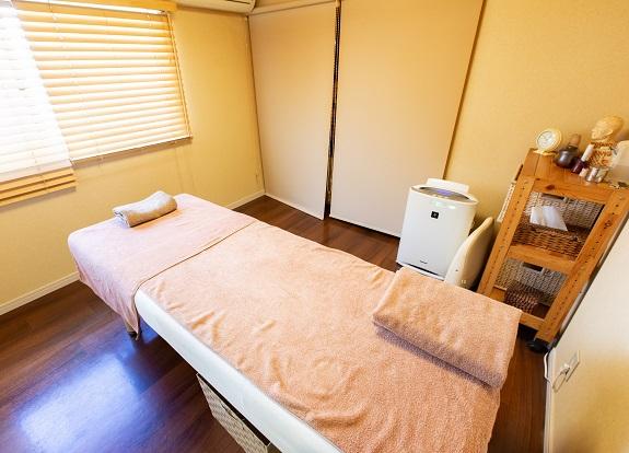 はり・温灸治療院 楽居堂 代々木上原 施術室