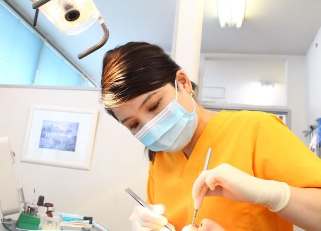 アイエスビル歯科医院 仙川 女性歯科医師