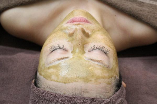 女性専用美容鍼灸サロン ヴィクトワール 池袋 フェイシャルエステ