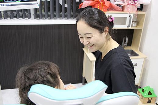 金町駅前ジャスミン歯科 女性歯科医師の写真