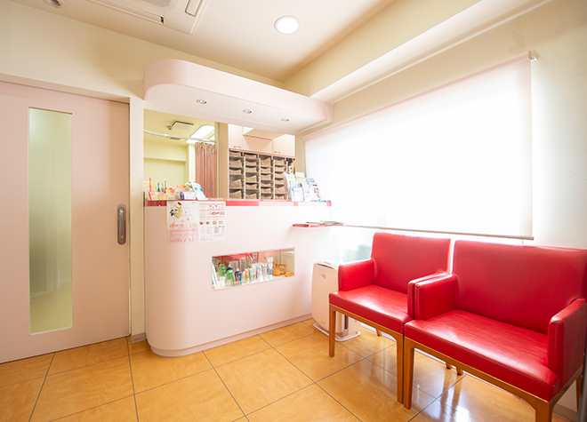 高円寺デンタルクリニック 待合室の写真