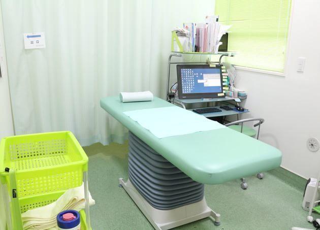 ニコタマ大腸・肛門クリニック 二子玉川 完全個室の診療室
