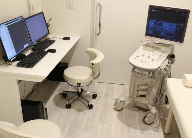 新宿トミヒサクロスクリニック 新宿御苑前 診療室