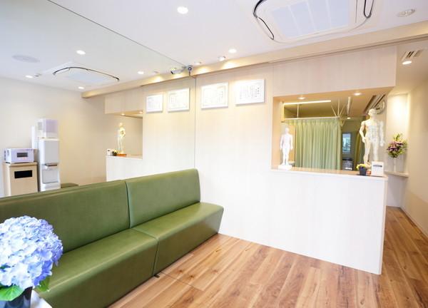 鍼灸指圧専門本間治療院 亀有 待合室