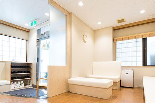 ささき医院 富士見ヶ丘 待合室