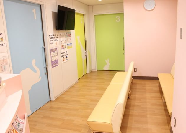 細田診療所 京成高砂 待合室