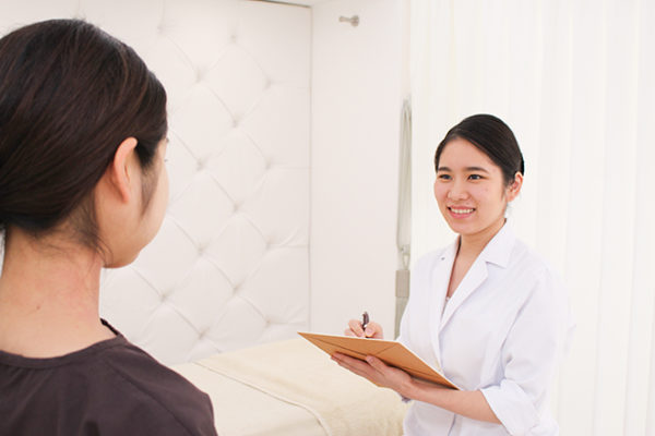 美容鍼灸院 acumond 渋谷 鍼灸師