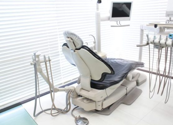 AKIデンタルクリニック 表参道 個室診療室