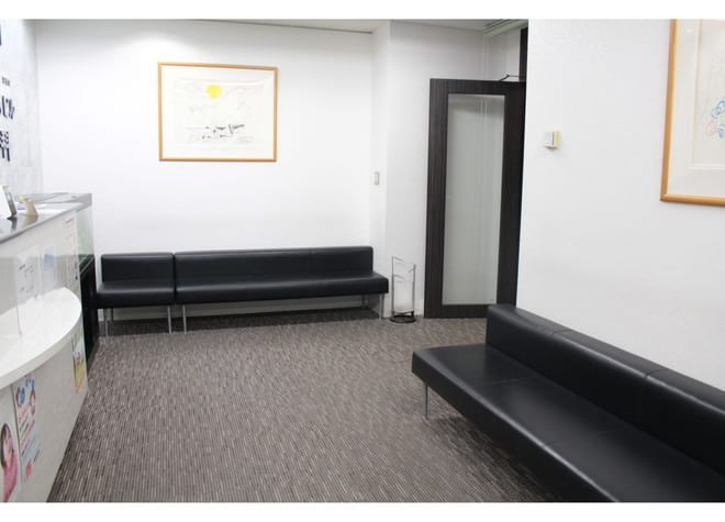 新宿NSビル歯科 待合室