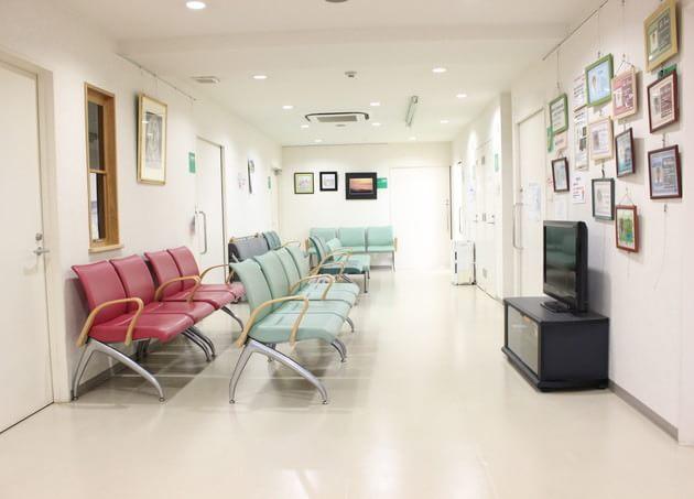 水元セツルメント診療所 待合室