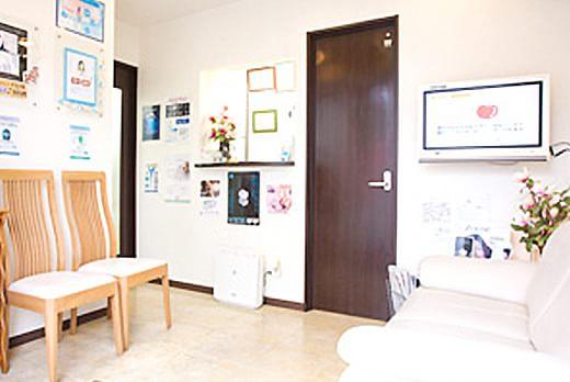 ヤスヒロ歯科クリニック 錦糸町 待合室