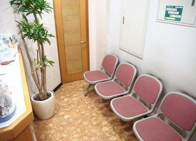 上野昭和通り歯科医院 待合室