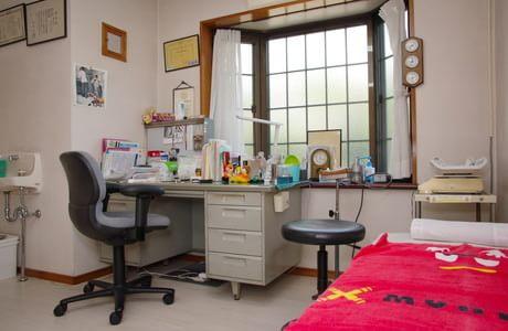 くろかわ小児科内科 桜新町 診察室