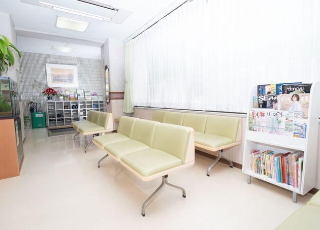 髙橋医院 二子玉川 待合室