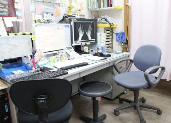 助川クリニック 診察室