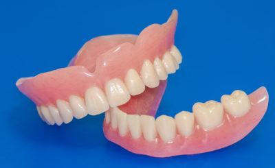 人形町・水天宮前駅近くで入れ歯・義歯に対応している歯医者さん3選