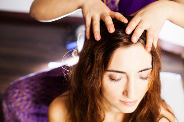 人にやってあげたい!快眠&癒し効果抜群のヘッドマッサージのやり方